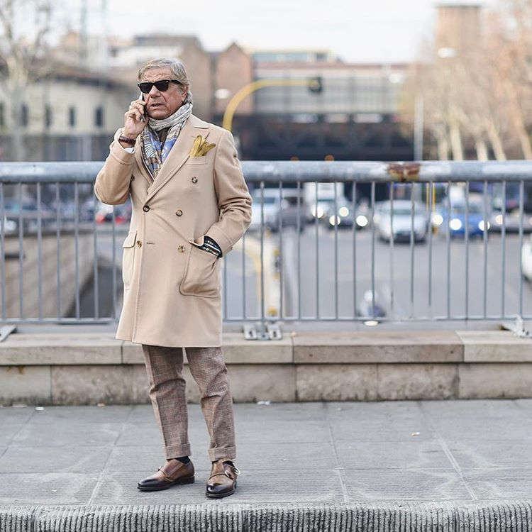 Lino Ieluzzi just Fashiusly Dapper while being on the phone